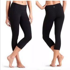 Athleta - revelation Capri legging 903882